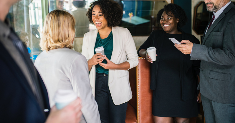 Networking 101: The Most Effective Ways to Introduce Yourself and Stand Out When Networking